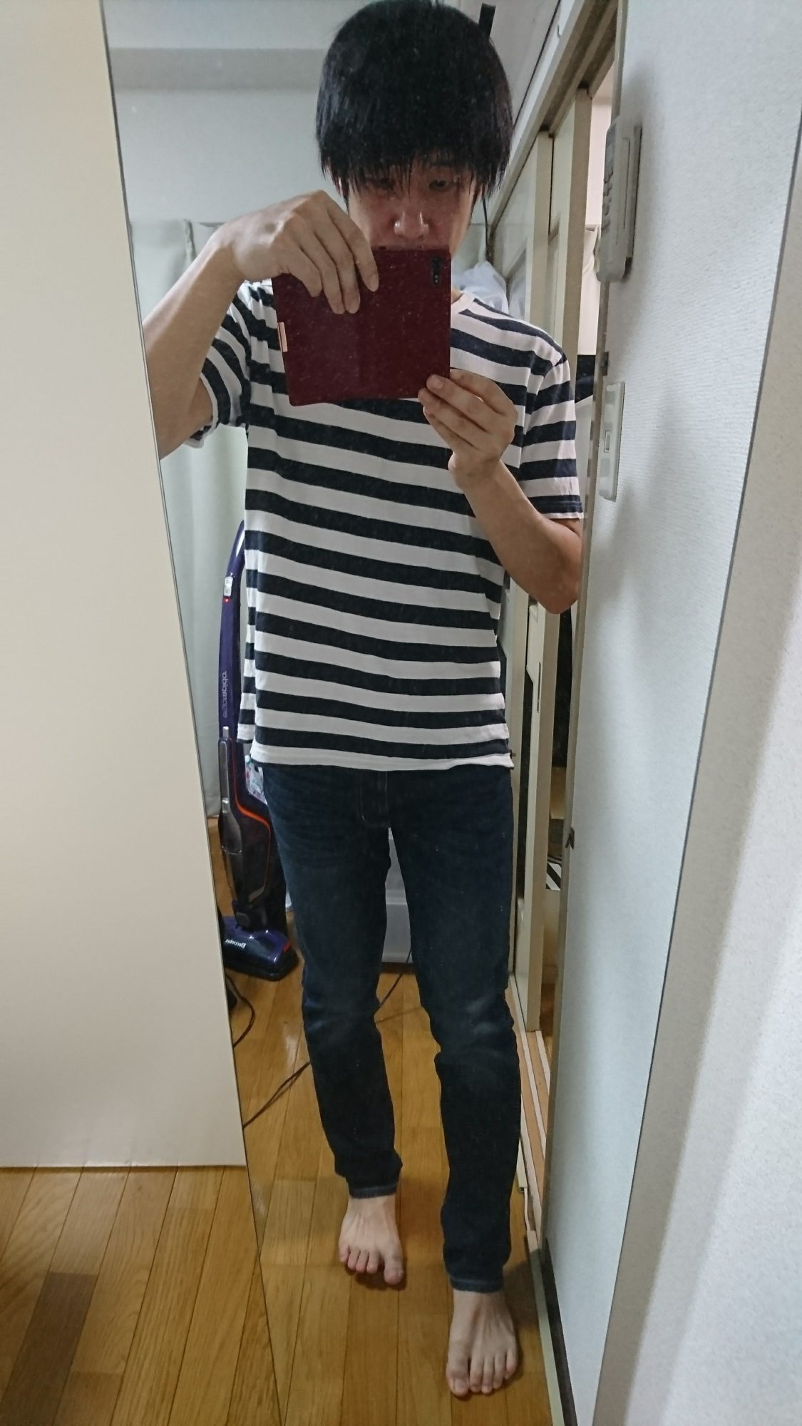 Tシャツは同じく無印のオーガニックコットンTシャツのボーダー柄。